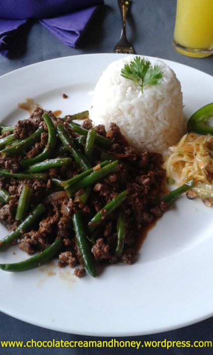 Basil beef and white rice.